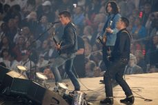 Artic Monkeys alla Cerimonia di apertura dei Giochi Olimpici 2012 | © Laurence Griffiths/Getty Images