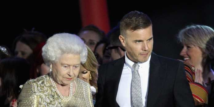 Gary Barlow alla cerimonia di chiusura di Londra dopo il lutto della figlia