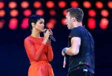 "Rihanna e Chris Martin in ""Princess Of China"""