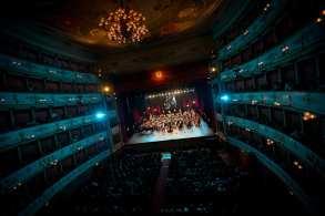 Teatro Comunale di Modena, Luciano's Friends | © NAPHTALINA - FONDAZIONE PAVAROTTI