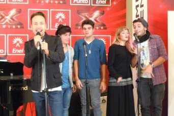 Michele sul palco del Punto Enel con Gaya e Up3Side