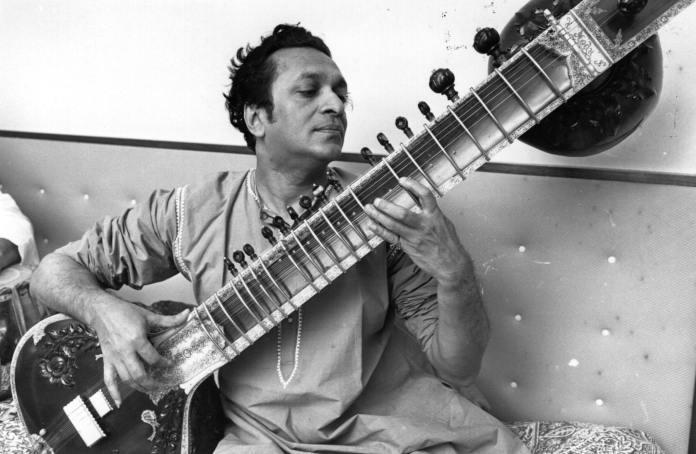 Addio a Ravi Shankar, padre della World Music. Ispirò Beatles e Stones