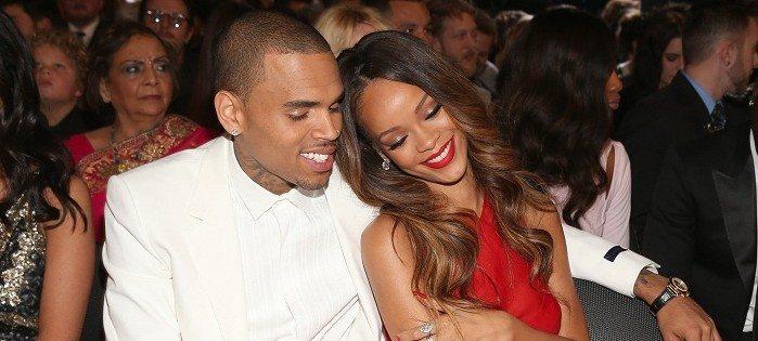 Rihanna In Vasca Da Bagno.Rihanna Canta Nuda In Vasca Da Bagno Nel Video Di Stay Melodicamente