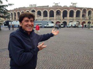 Gianni Morandi all'Arena di Verona | © Facebook Official Page