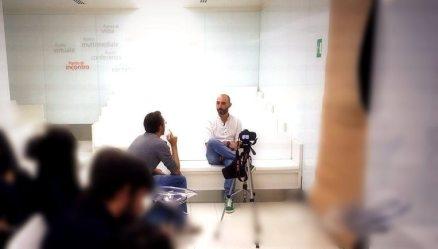 Alan durante l'intervista al punto Enel