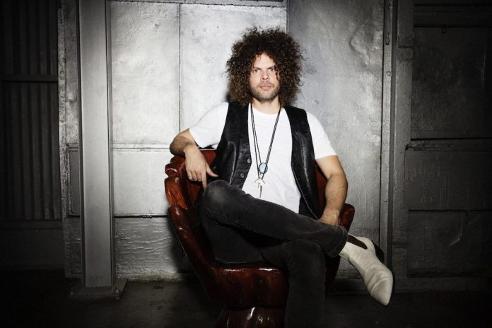 Wolfmother_Silver_Wall_0109Fuji_s
