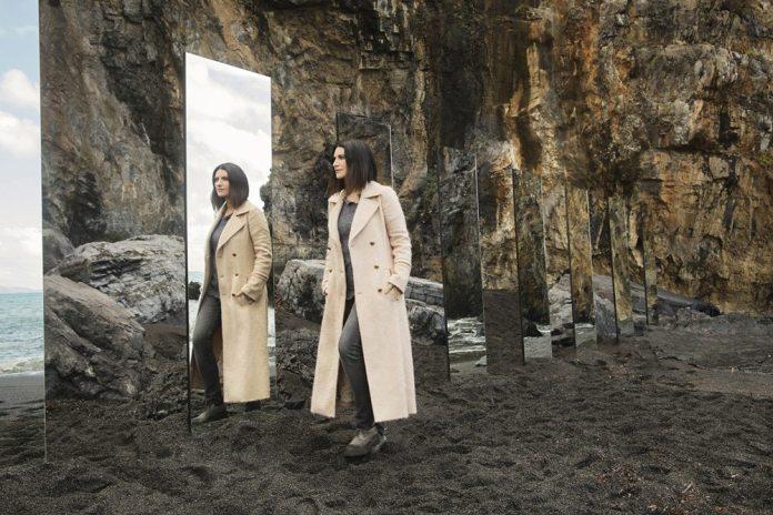 """Laura Pausini: in radio """"Non è detto"""", il singolo che anticipa """"Fatti sentire"""""""