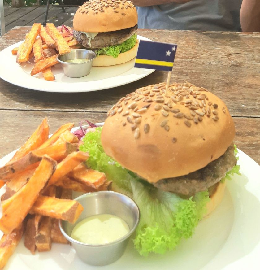 Williwood Burgers are what to eat in Curacao