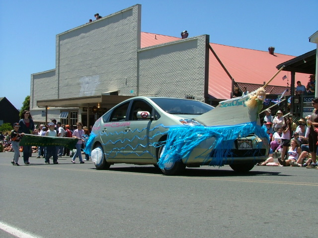 car turned into a boat in the mendocino fourth of july parade