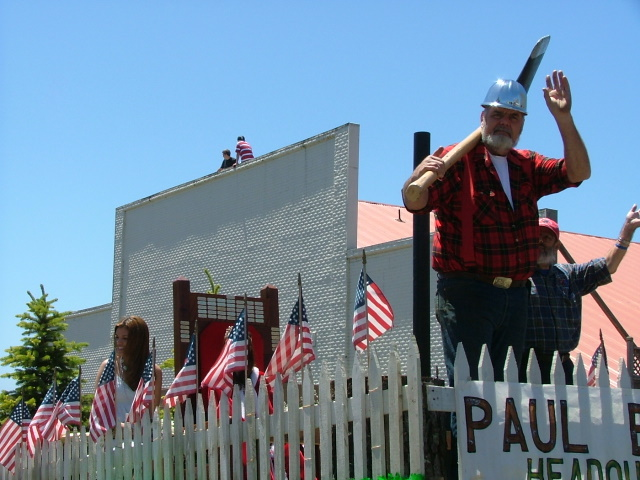paul bunyan in the mendocino fourth of july parade