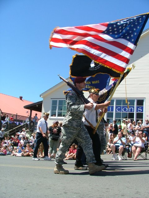 soldiers in the mendocino fourth of july parade