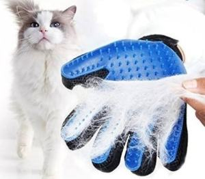 true-touch-grooming-glove-for-cats