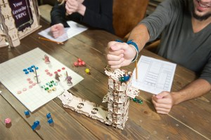 Ugears-Games_Modular-Dice-Tower_DSC6012