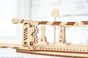 Ugears Rails 4m with Crossing Mechanical Model