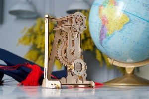 Pendulum-Ugears-STEM-lab-model-kit-mechanical-puzzle