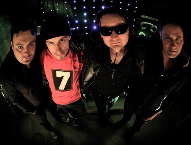 U2 Cover CWB se apresenta no Teatro Carlos Gomes em Blumenau. Imagem: Divulgação