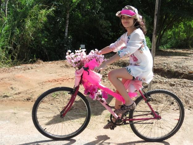 Luiza Chagas de Morais Boss foi a vencedora do concurso de bicicleta mais enfeitada. Imagem: Albert Ramlow