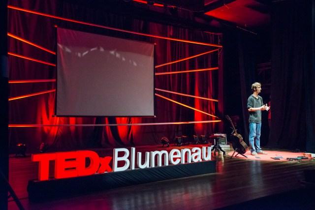 Equipe que organizou o TEDxBlumenau vai realizar também o TEDxBlumenauSalon. Imagem: Alexandre Zelinski