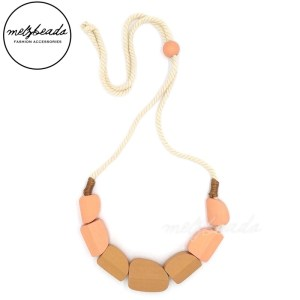 Cala Wooden Bead Pink Necklace