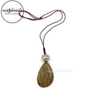 Green Large Teardrop Wooden Pendant Necklace