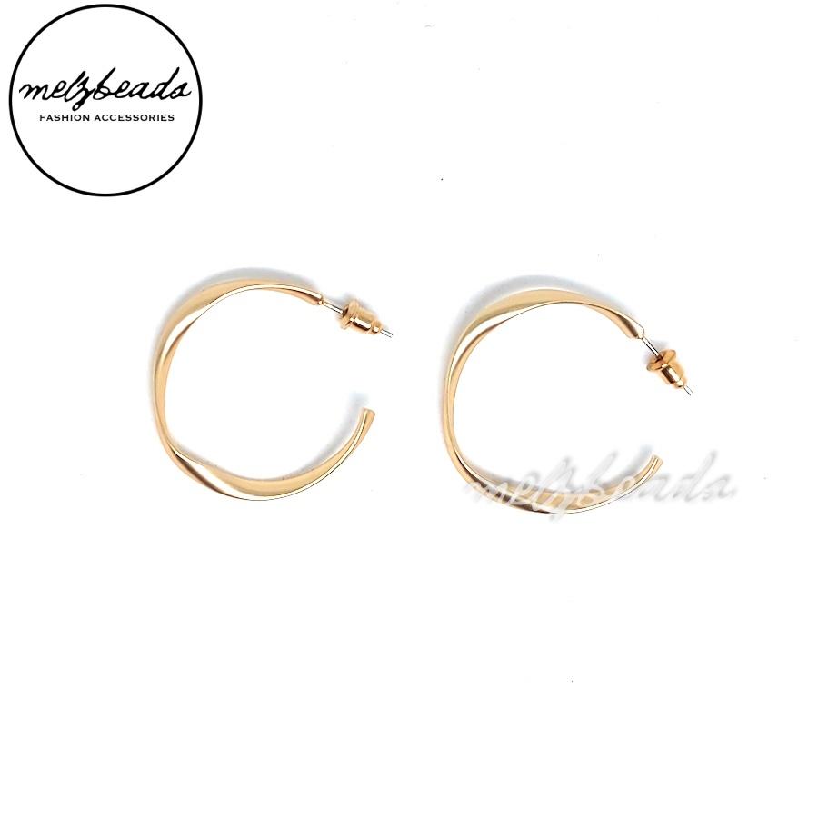 Matte Gold Open Hoop Twist Earrings