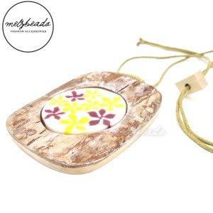 Antique Wood With Yellow Purple Flower Resin Pendant Necklace