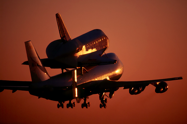 Shuttle Sunrise courtesy Deg.IO