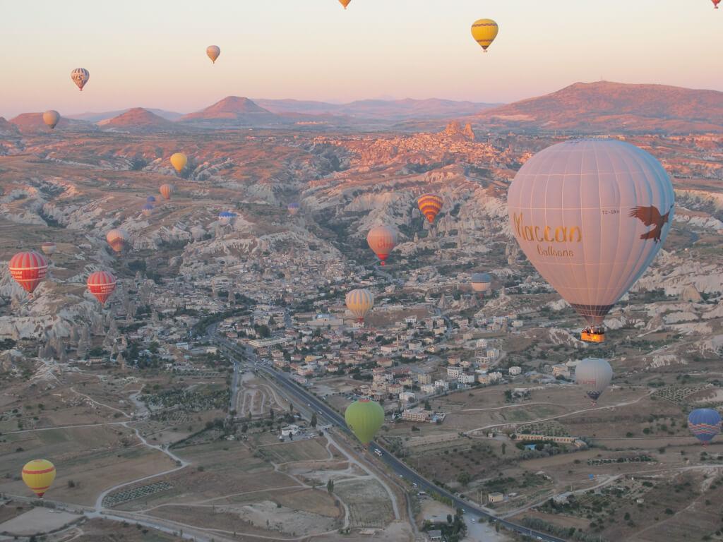 cappadocia turkey balloon