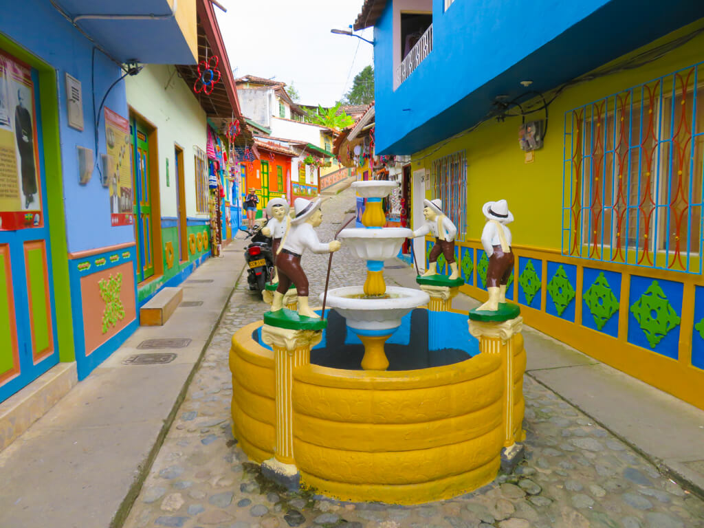 Fountain in Calle del Recuerdo, Guatape