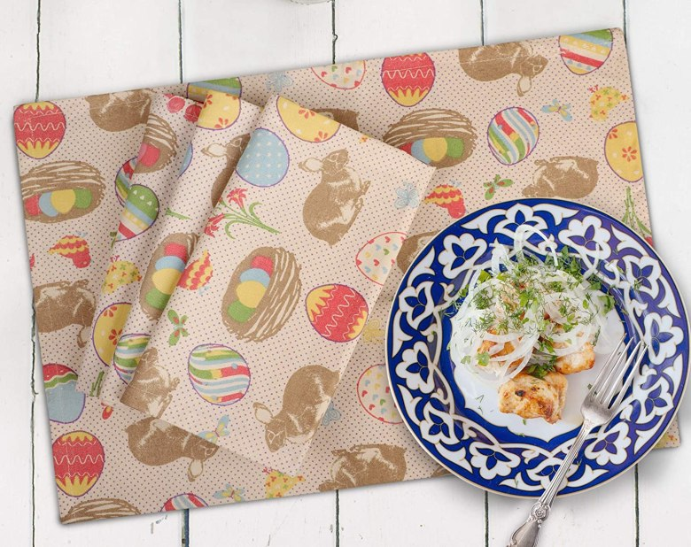 Easter napkins with bunny and eggs