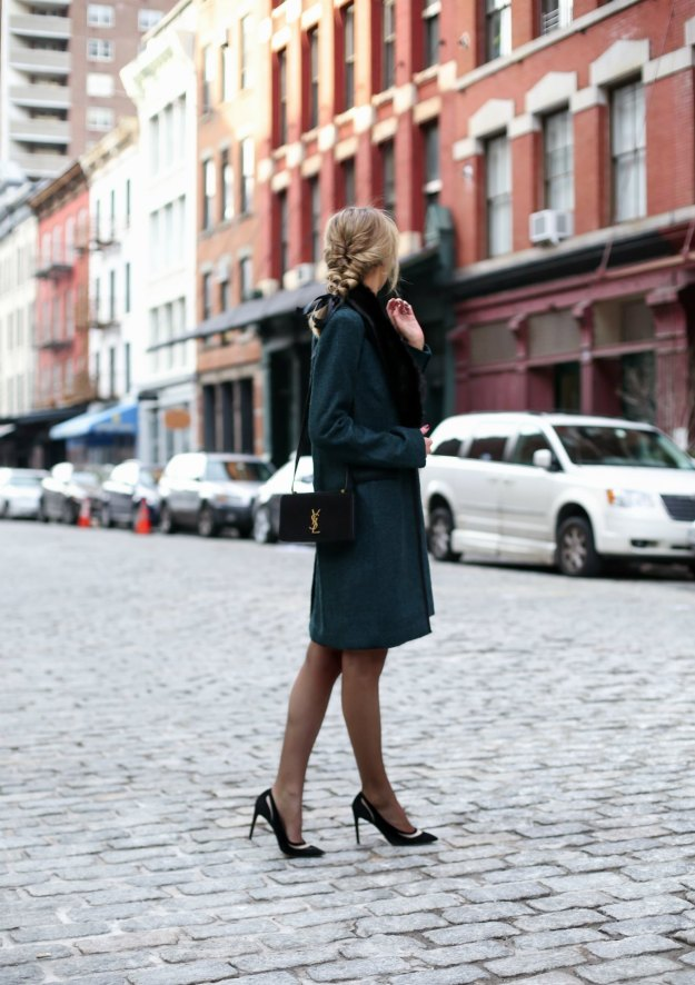 banana-republic-emerald-green-black-piped-coat-faux-fur-removable-collar-pencil-skirt-work-wear-office-style-professional-women-fashion-blog-style-memorandum2