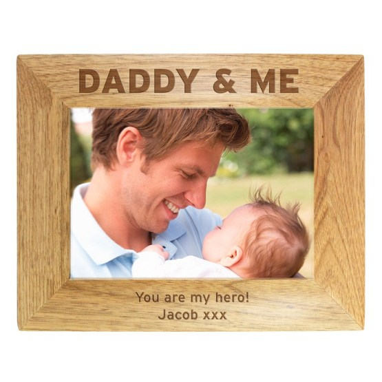 P011413 - Personalised 7x5 Daddy & Me Wooden Photo Frame