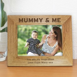 P011448 1 - Personalised 7x5 Mummy & Me Wooden Photo Frame