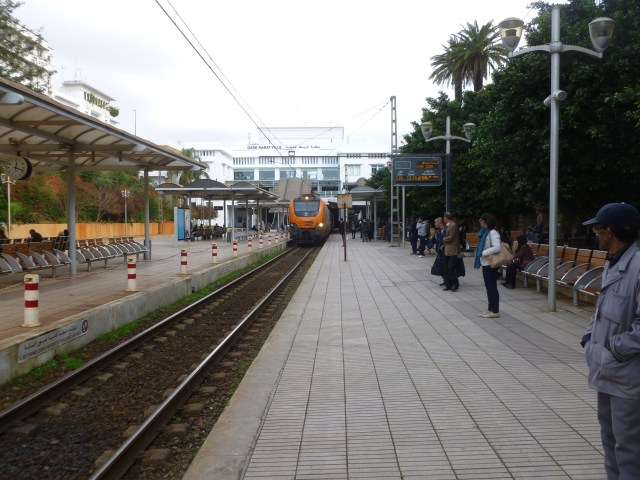 As I was waiting for the train to Casa Port several other trains passed through the station