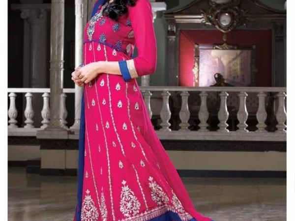 Aamna Sharif Latest Photo Shoot In Anarkali Dress For A New Collection 2013