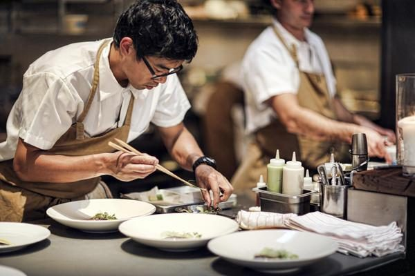 How Do Top Chefs Cook So Efficiently?