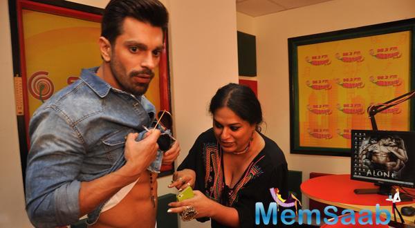 Bipasha And Karan Promote Alone On Radio Mirchi 98.3 FM