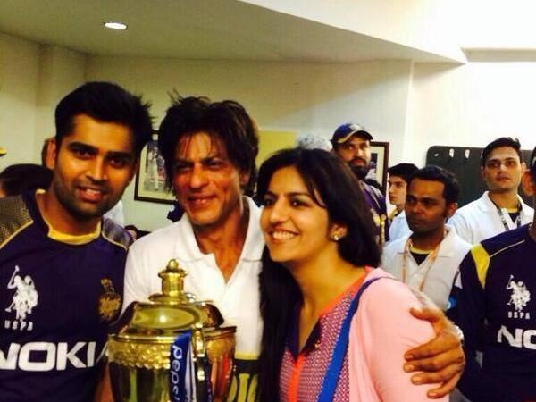 Shah Rukh Khan Celebrates KKR's Victory, Dedicates Cup To Son Abram