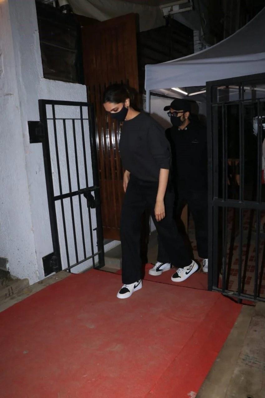 Deepika Padukone & Ranveer Singh spotted at Izumi in Bandra