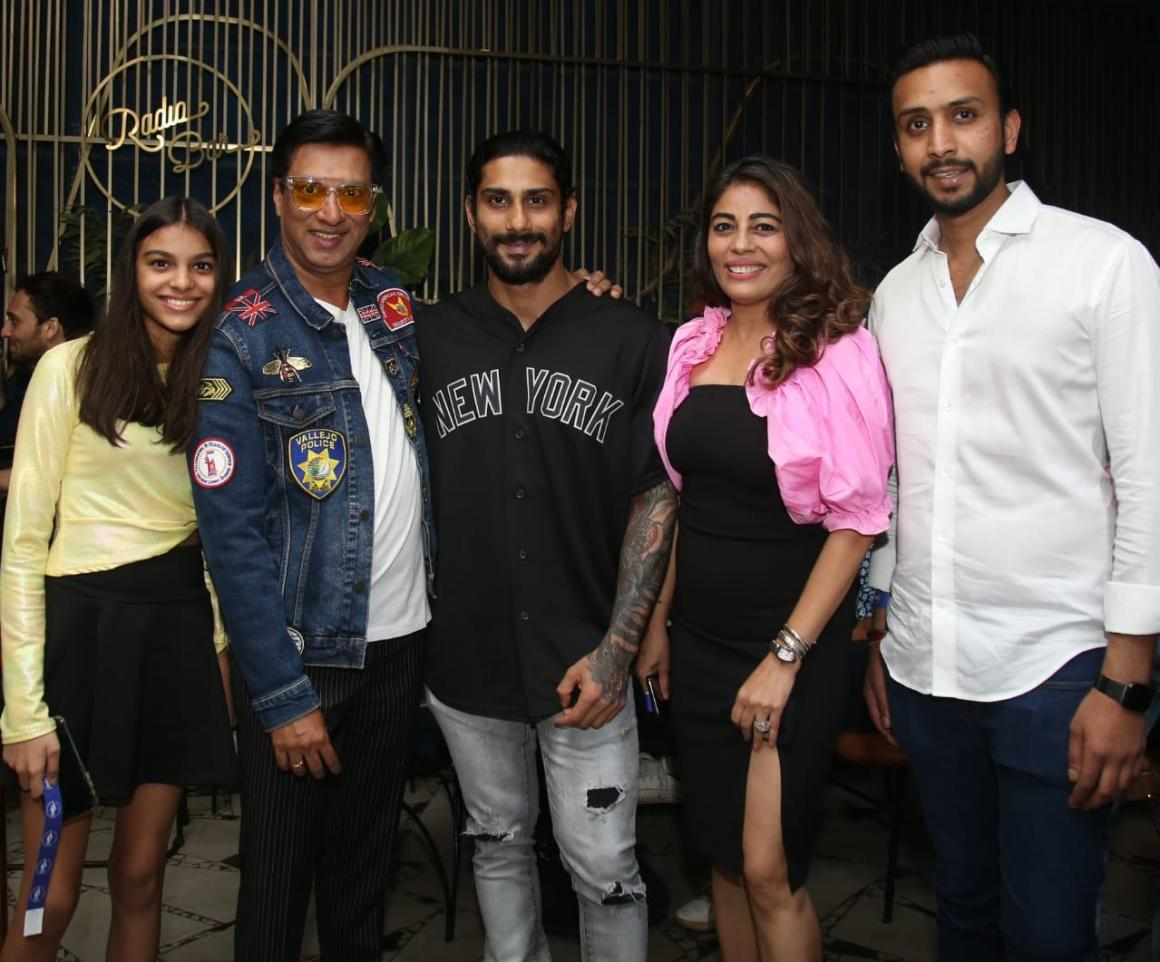 Madhur Bhandarkar wrapped up his film India Lockdown, the team celebrated it with a dinner hosted by producer Pranav Jain in Mumbai.
