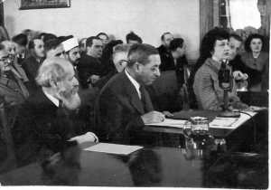 Magnes_and_Buber_testifying_before_the_Anglo-American_Committee_of_Inquiry