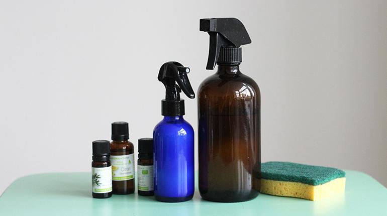 Comment faire un nettoyant naturel en spray pour ménage