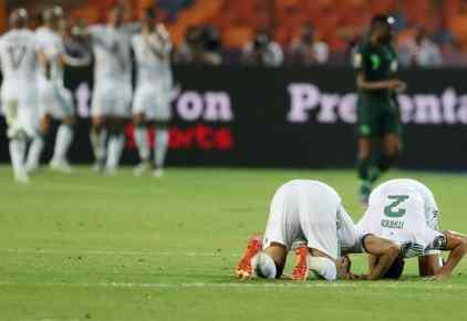 """محرز """"الفنان"""" ينقذ منتخب الجزائر من التوهان"""