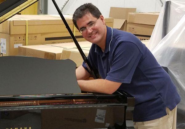 piano-tuner-technician