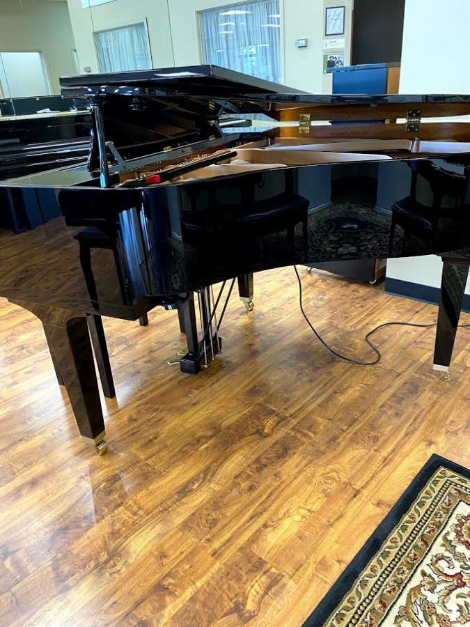 used DGB1KE3 right side lid half open grand piano for sale