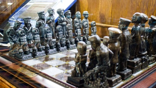 Titanic chess set