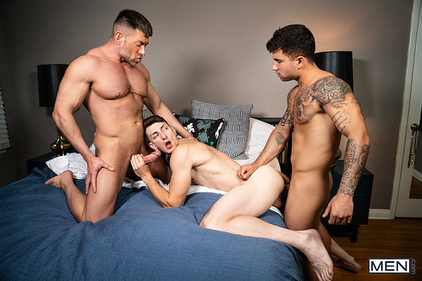 This image has an empty alt attribute; its file name is THREESOME_with_vadimblack_01.jpg