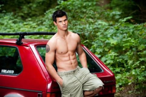taylor lautner shirless leaning on red car