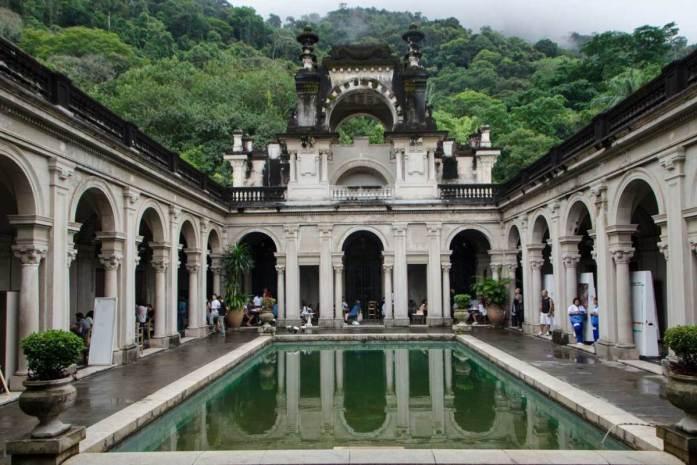 Rio de Janeiro travel guide: Palace at Parque Lage