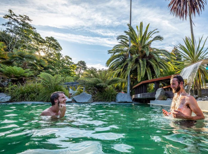 Taupo DeBretts thermal pool